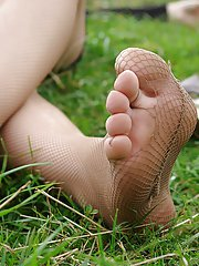 Never before have sweet, fragrant teen girls feet been that close to your face. See our HD closeups!
